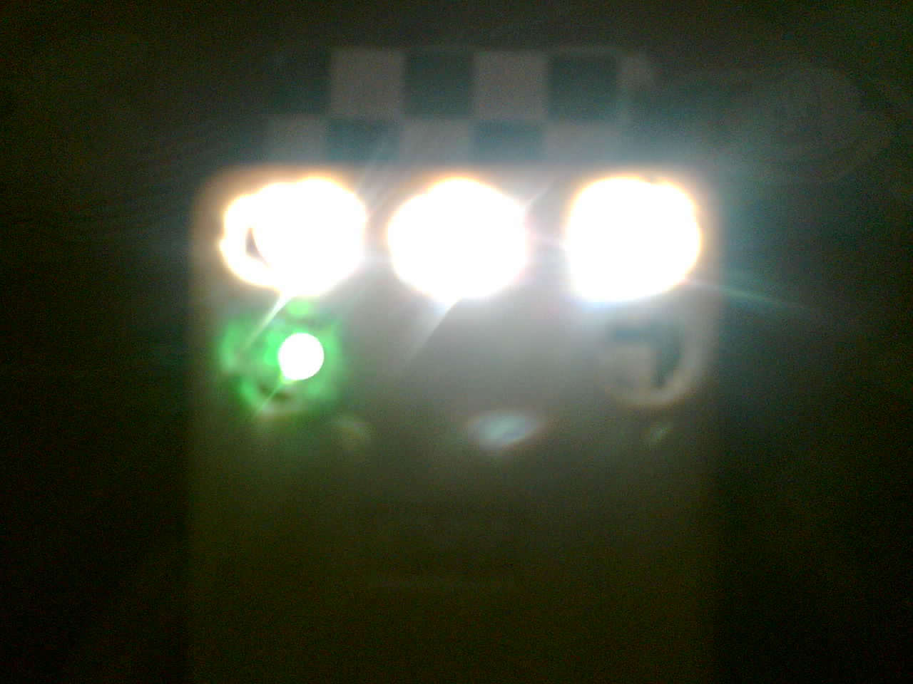 Lampu senter led darurat.jpg