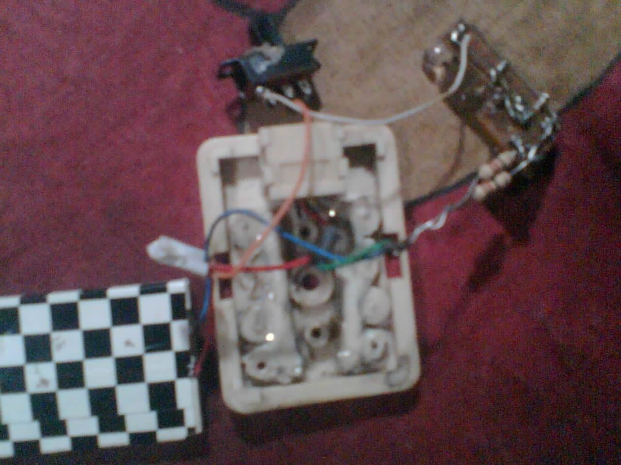 Senter baterai hp bekas.jpg